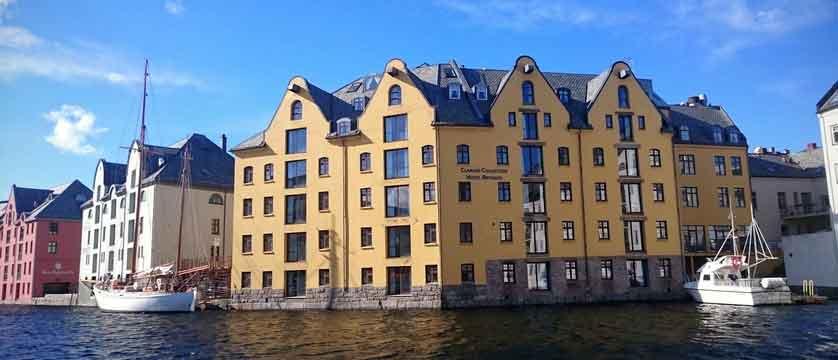 Hotel Brosundet, Ålesund, Norway - exterior 2.jpg